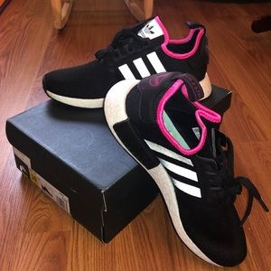 🆕 Adidas NMD R1 Black and Pink